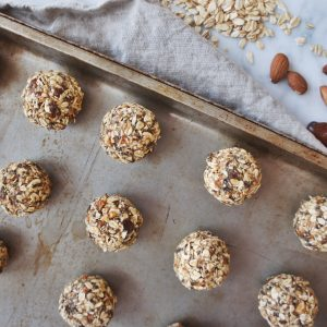 Healthy No Bake Date Energy Bites