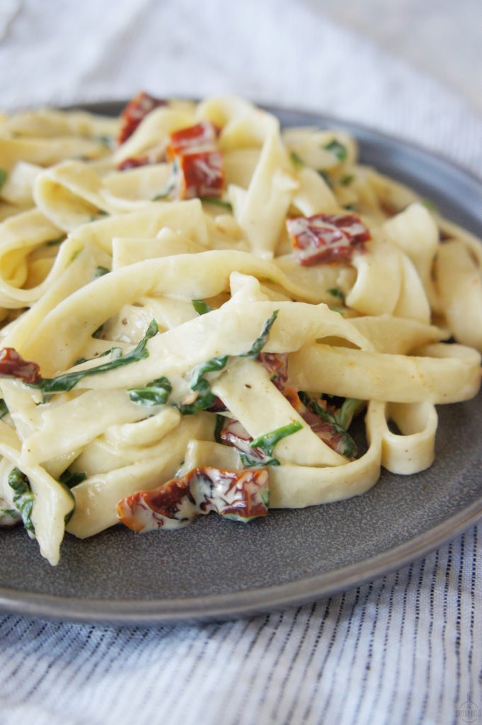 Creamy Sun Dried Tomato Spinach Pasta final